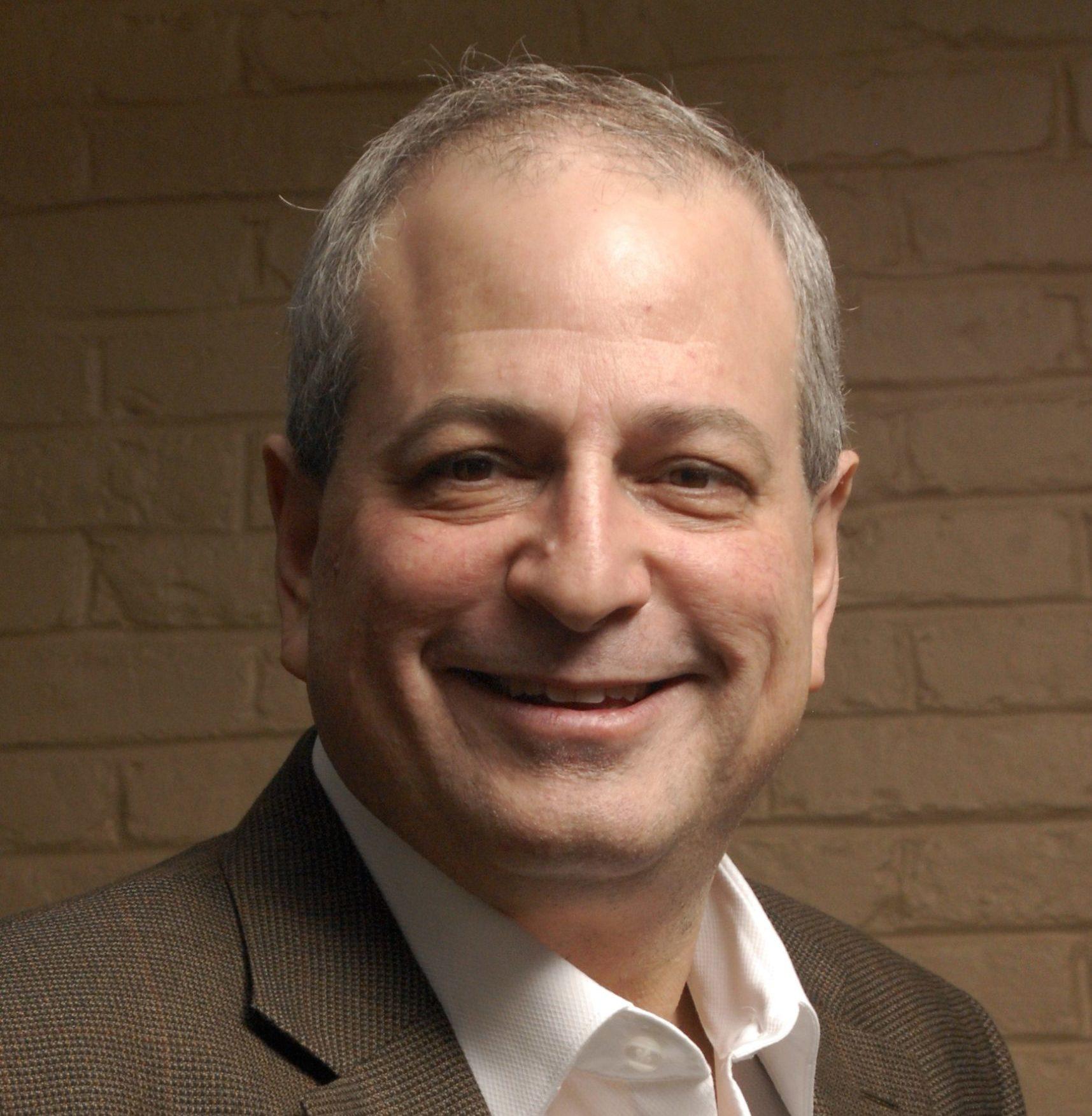Howard E Kaplan